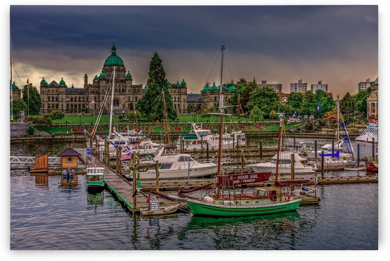 Dusk in Victoria by Darryl Brooks