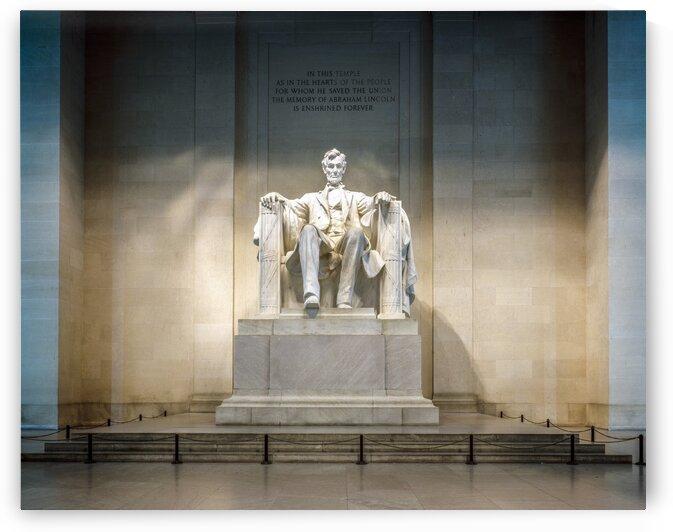Lincoln Memorial statue by Tony Tudor