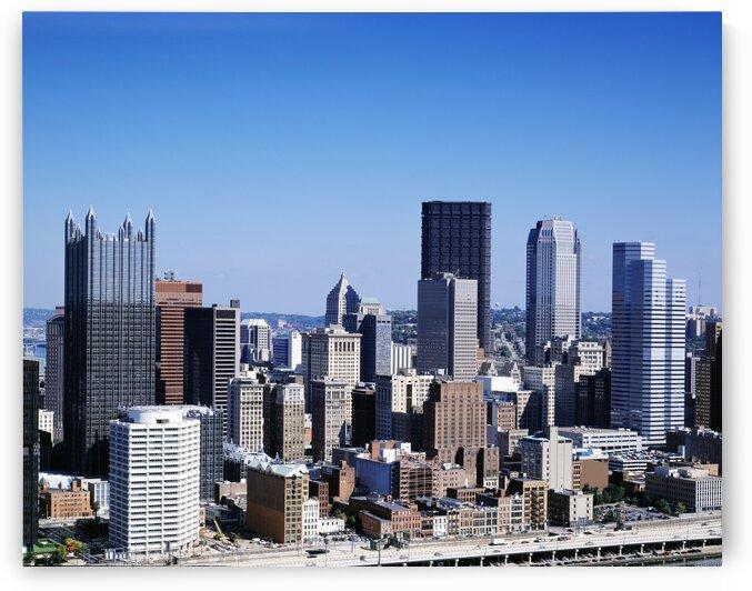 Pittsburgh Pennslyvania skyline by Tony Tudor