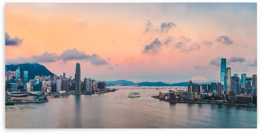HONG KONG 20 by Tom Uhlenberg