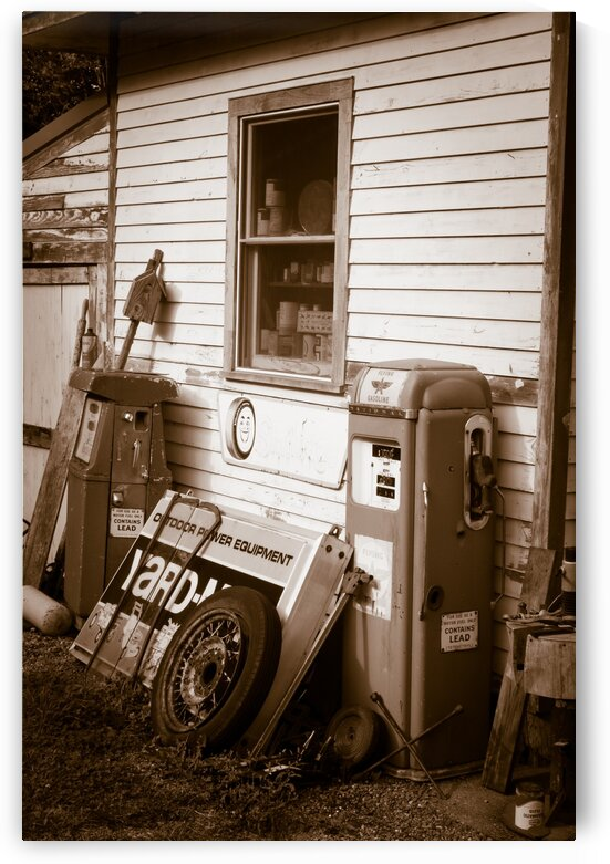 Gas Station ap 1547 B&W by Artistic Photography