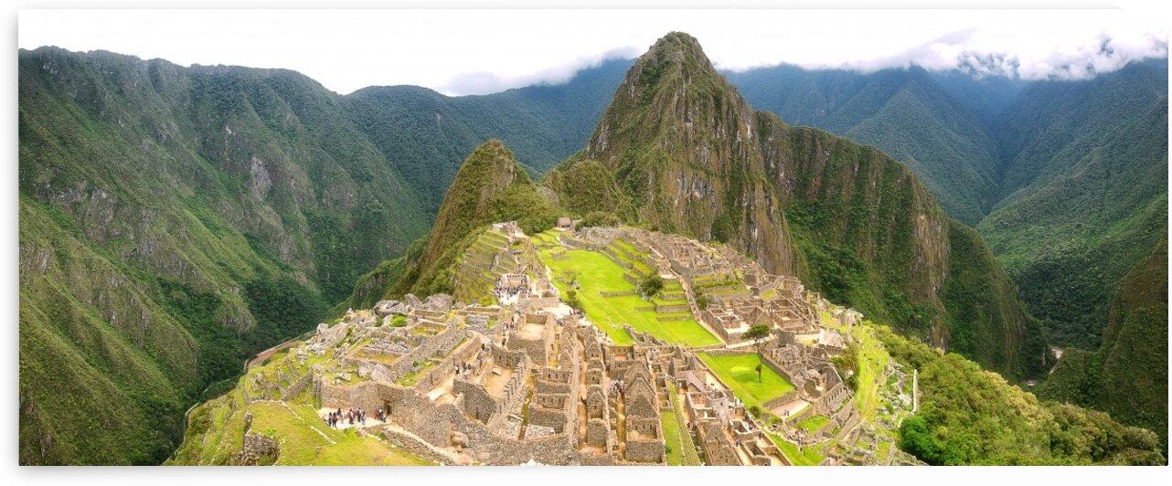 Machu Picchu by Glauco Meneghelli