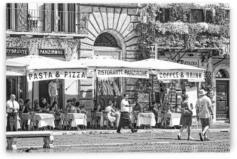 Italian restaurant on the Square - An ordinary day in Piazza Navona in Rome by Stefano Senise Photography