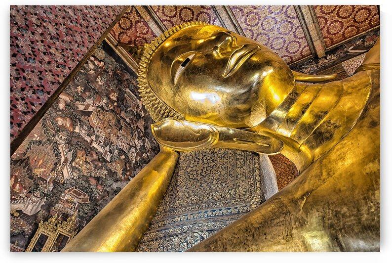 WAT PHO - TEMPLE OF THE RECLINING BUDDHA by Bernd Hartner