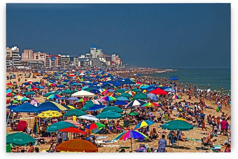 beach crowded bright 7012 by Ocean City Art Gallery