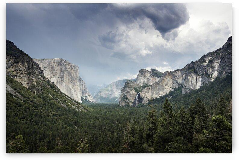 Yosemite National Park by 7ob