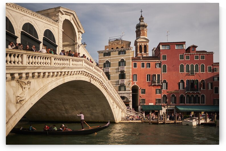 Ponte Di Rialto over the grand canal Venice Italy by Atelier Knox