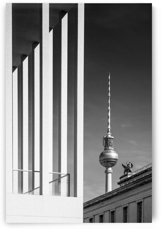 BERLIN Television Tower & Museum Island | Monochrome by Melanie Viola
