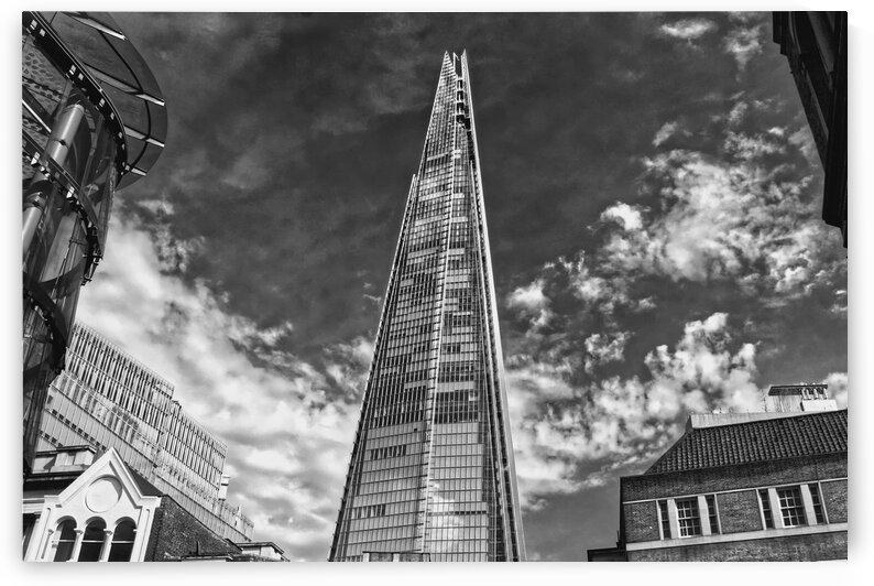 Skyscraper in black and white by Bentivoglio Photography