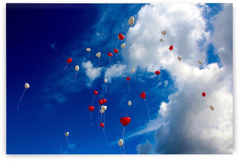 balloon s on skys by Saqib Pervaiz