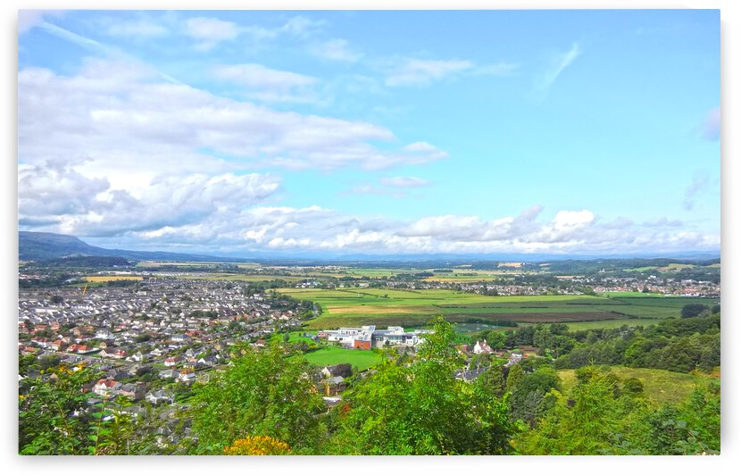 Clear Fall Morning in Stirling United Kingdom by 360 Studios