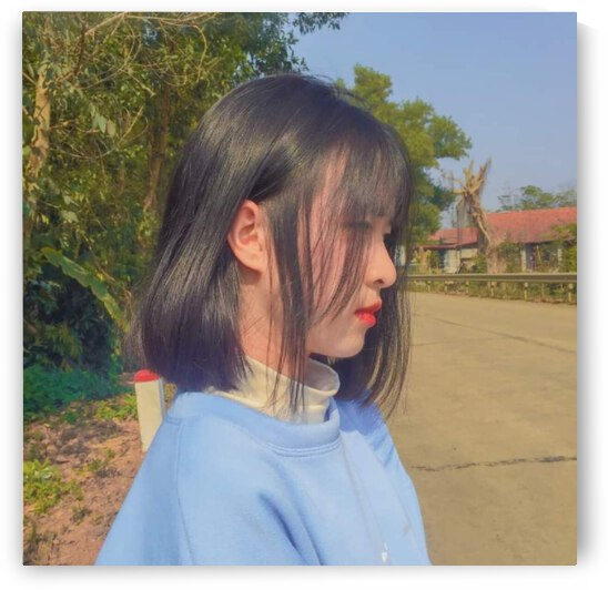 side view of a girl by Ngu Dott