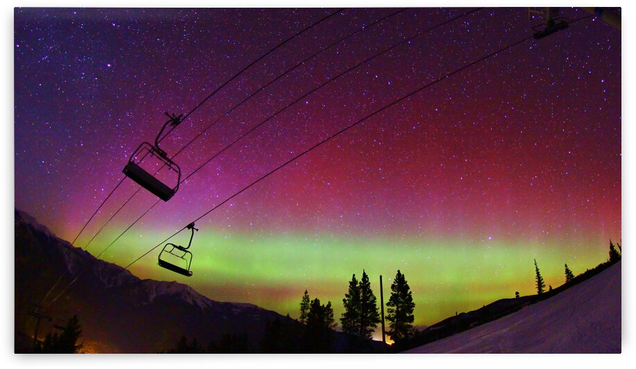 northern lights panorama by Stephan Malette
