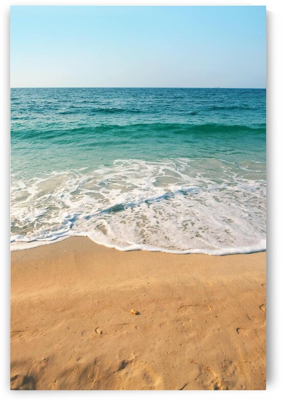 Footsteps In The Sand by Lynnette Brink