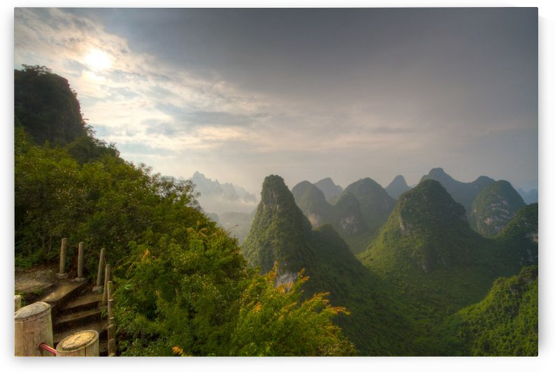 Sunrise_in_Xianggong by DLPSquared