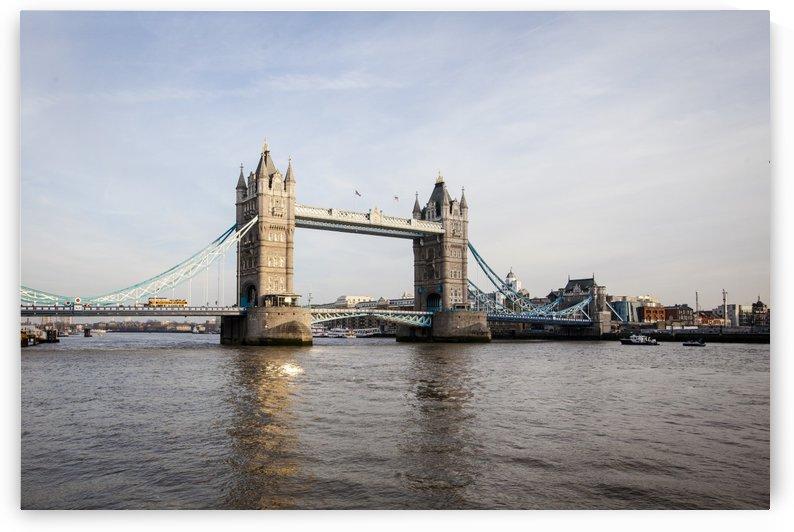 London Bridge by Carlos M  Garate