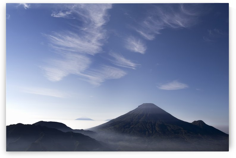 Sindoro Mountain by Donal Husni