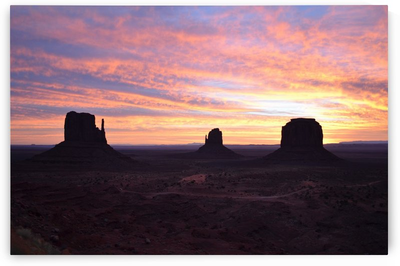 Monument Valley at sunrise by BK