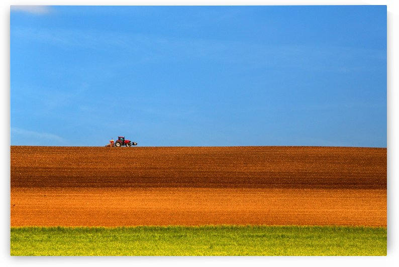 The Tractor by 1x