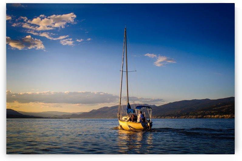 Sailing by Andrea Spallanzani