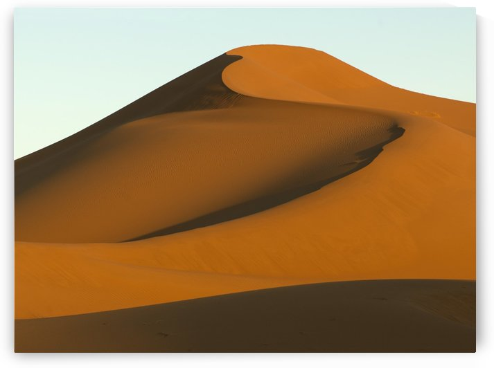 Smooth sand slopes by PacificStock