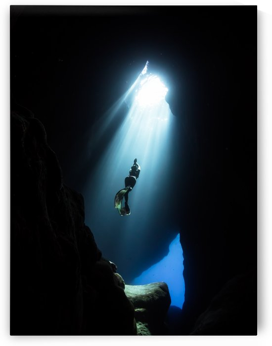 dark cave ver by Cullen Kamisugi