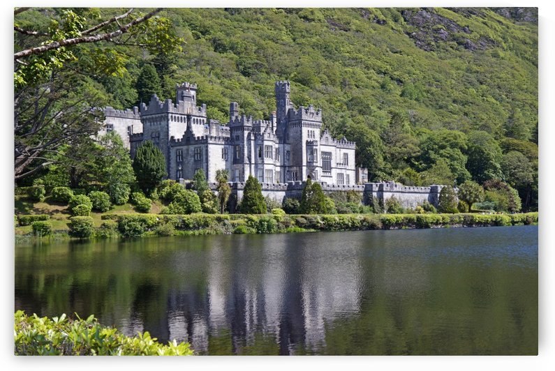 Kylemore Abbey, Ireland by Babetts Bildergalerie
