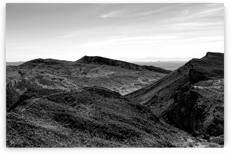 desert and mountain in black and white by TimmyLA