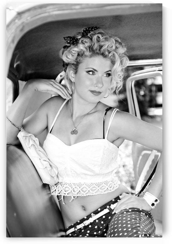 ©Lou Freeman Dark Glamour & Beauty Black & White 104 by Lou Freeman