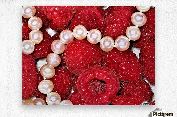 Raspberry pearls  Metal print