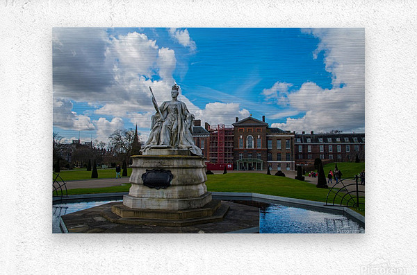 Queen Victoria Statue  Metal print