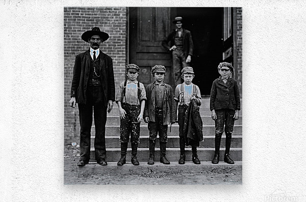 young workers around 1908  Metal print