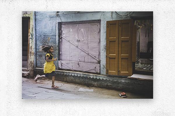Varanasi Window - The girl  Impression metal