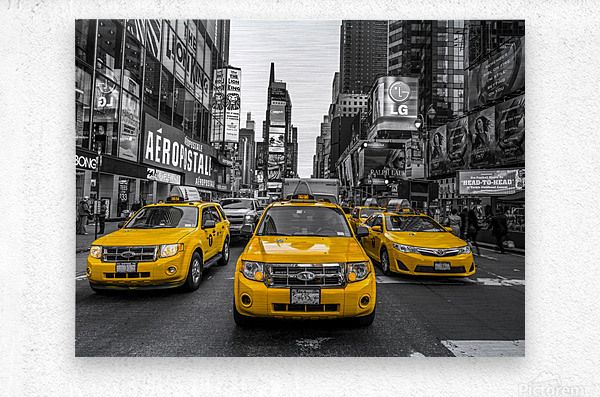 Taxi on broadway, New York  Metal print