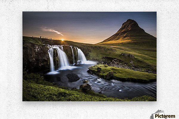 Fairy-Tale Countryside in Iceland  Impression metal