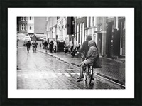 Couple in the rain Picture Frame print