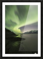Aurora Borealis dancing above the Chugach Mountains and Turnagain Arm, Kenai Peninsula, Southcentral, Alaska Impression et Cadre photo