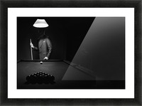 ; Mystery Pool Player Behind Rack Of Billiard Balls Impression et Cadre photo