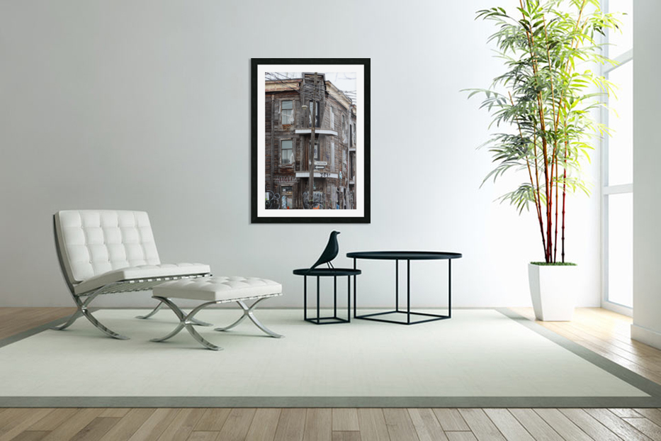 Corner Coloniale and Napoleon - 2018 in Custom Picture Frame