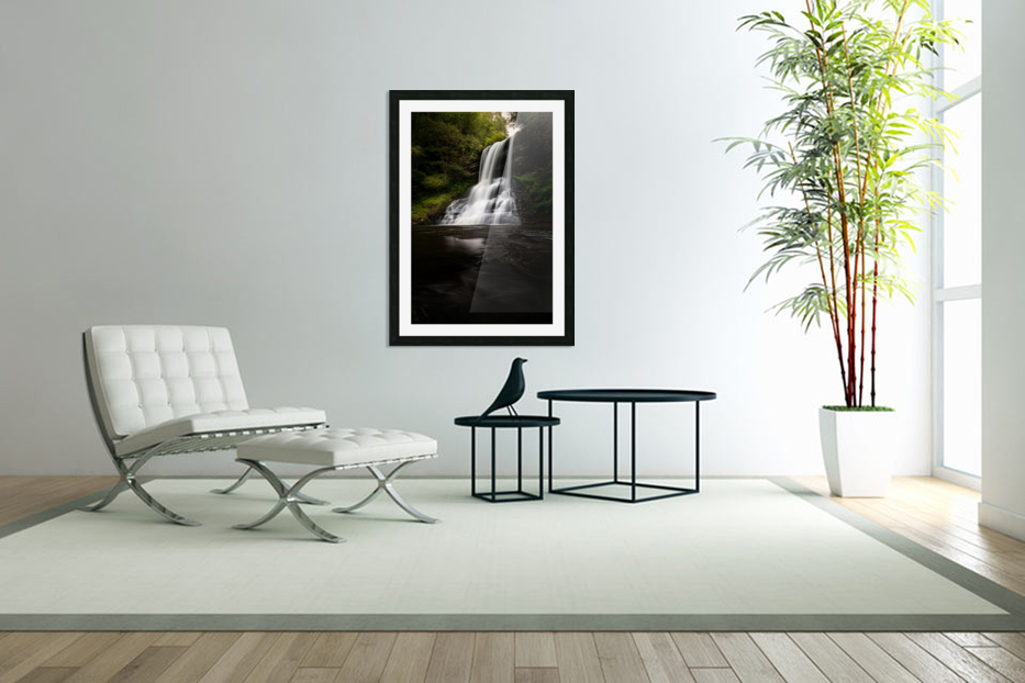 Capturing the Cascade in Custom Picture Frame