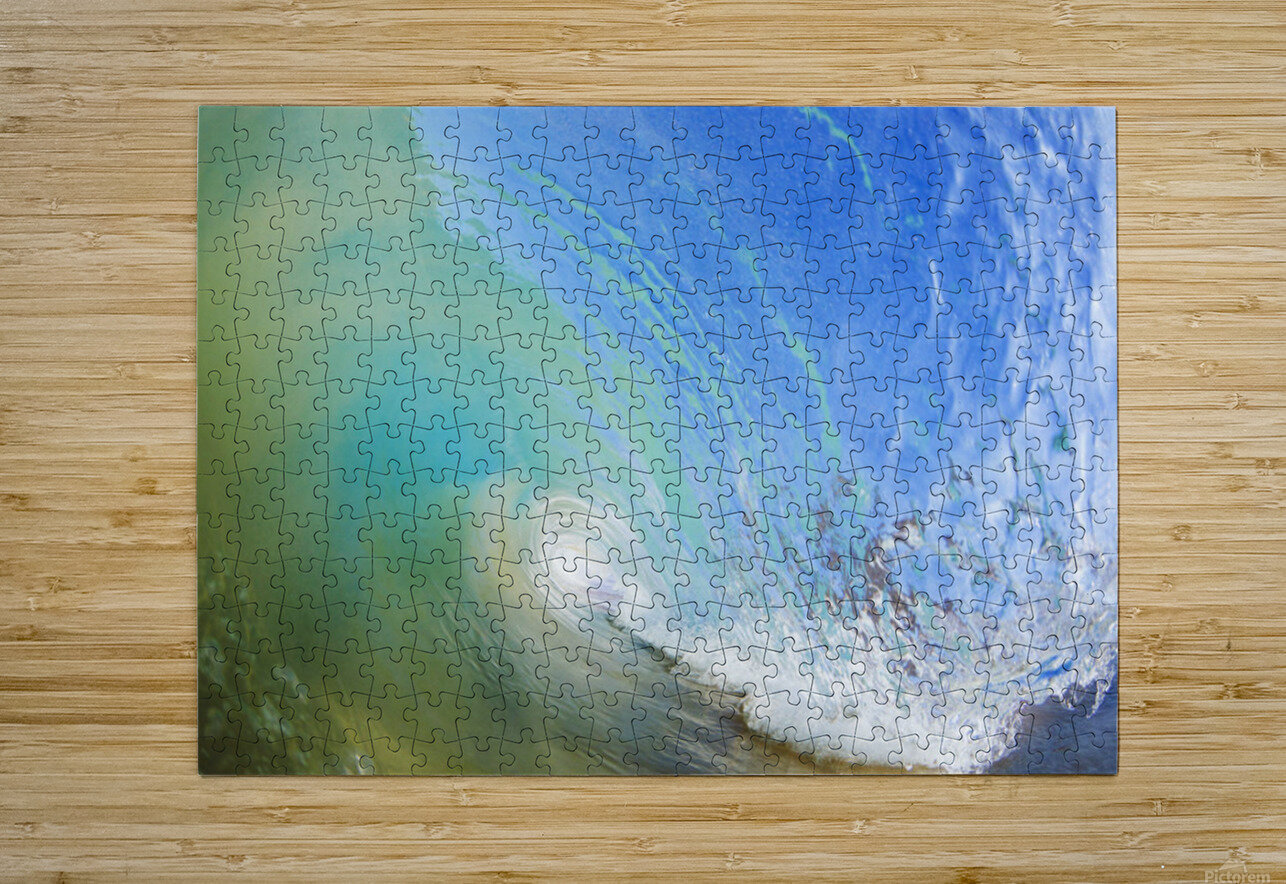 Hawaii, Maui, Makena, Beautiful blue wave breaking at the beach.  HD Metal print with Floating Frame on Back
