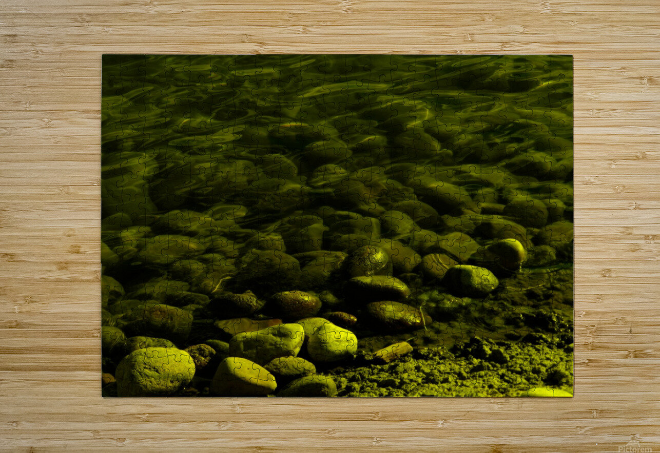 G (1)  HD Metal print with Floating Frame on Back