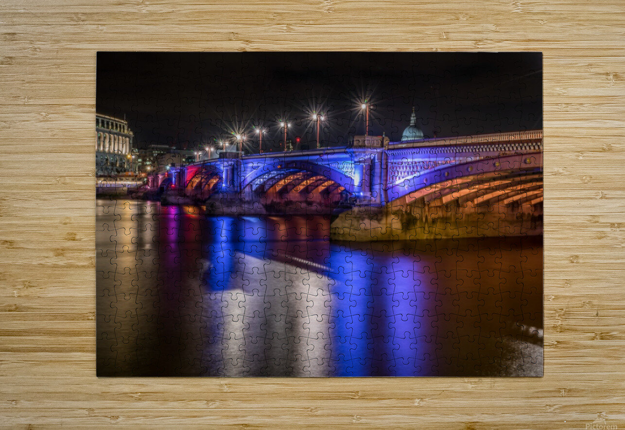 London Bridge at night  HD Metal print with Floating Frame on Back
