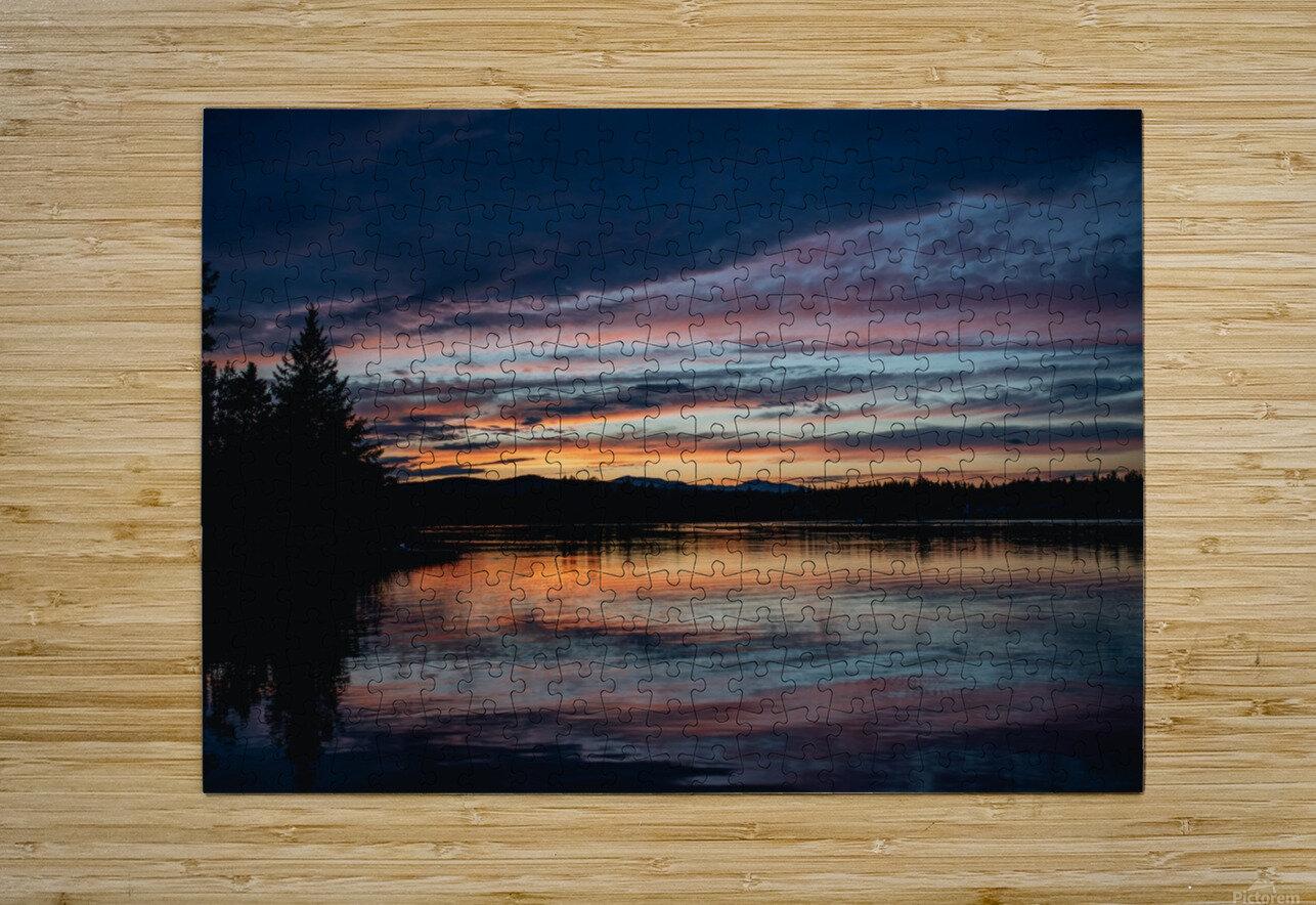 Couleurs sur le lac  Impression métal HD avec cadre flottant sur le dos