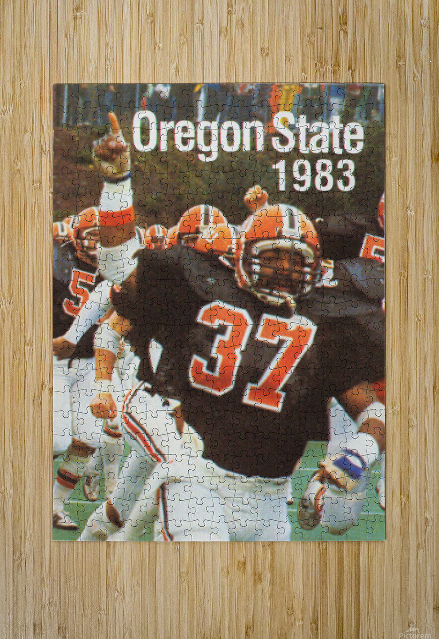 1983 Oregon State Beavers Football Poster  HD Metal print with Floating Frame on Back