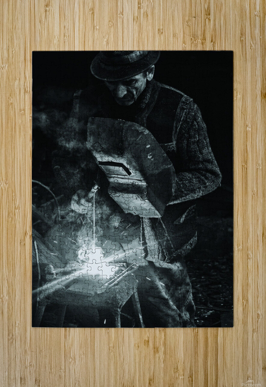 d-nul fierar (Mr. Smith)  HD Metal print with Floating Frame on Back