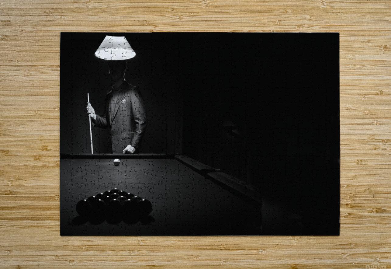 ; Mystery Pool Player Behind Rack Of Billiard Balls  Impression métal HD avec cadre flottant sur le dos