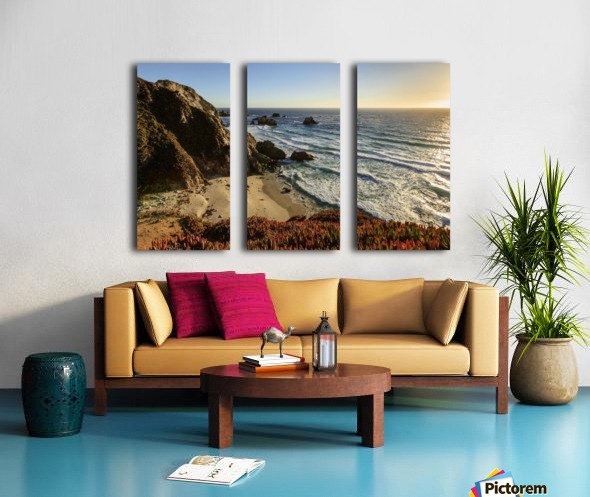 Cliffs along Big Sur coastline near Rocky Creek Bridge on Highway One; California, United States of America Split Canvas print