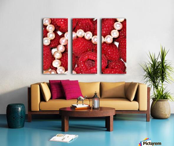 Raspberry pearls Split Canvas print