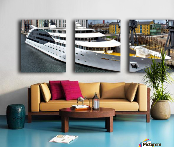 Cruise ship - Super Panoramic Split Canvas print